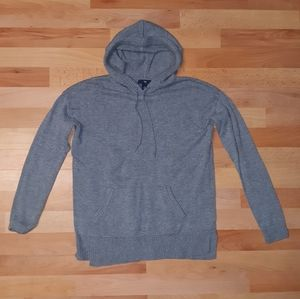 Gap hooded sweater with pocket